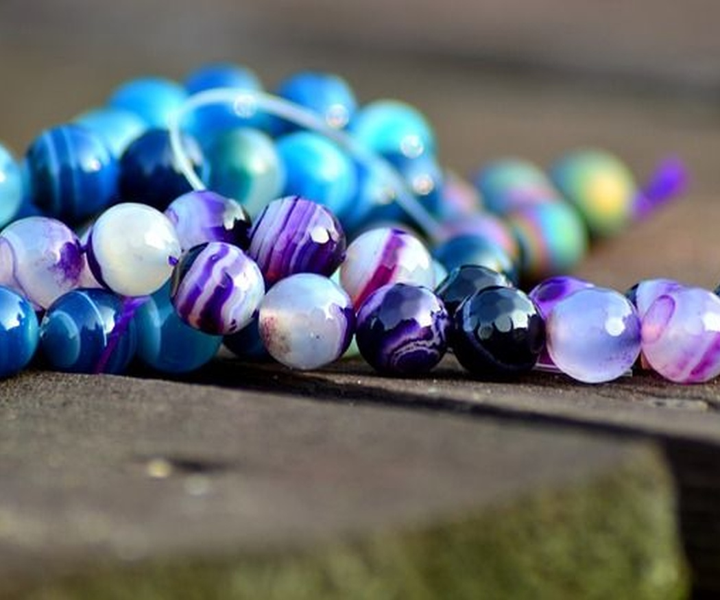 Elaboración de joyas con minerales