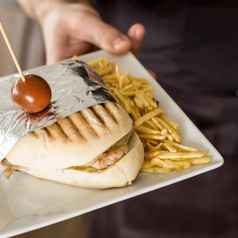 Almuerzos, comidas y cenas: Servicios y Carta de Charlotte San José