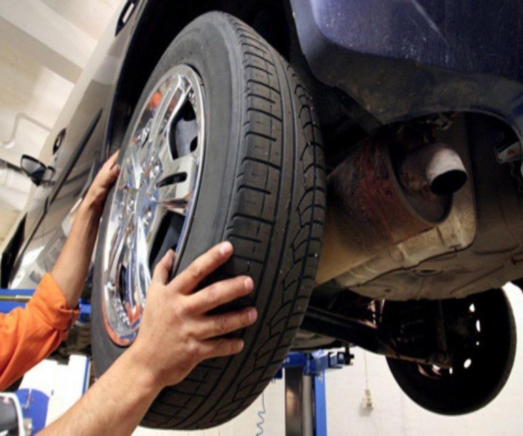 Máquinas para desmontar las ruedas de coches y camiones