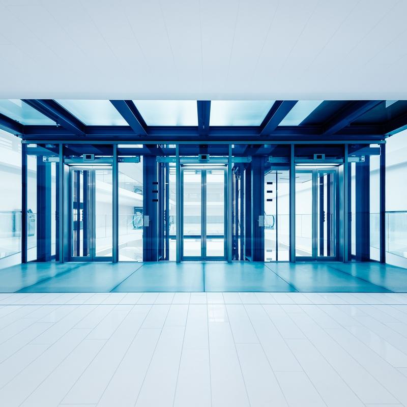Puertas automáticas de cristal: Servicios de JLS Puertas automáticas y Cerrajería