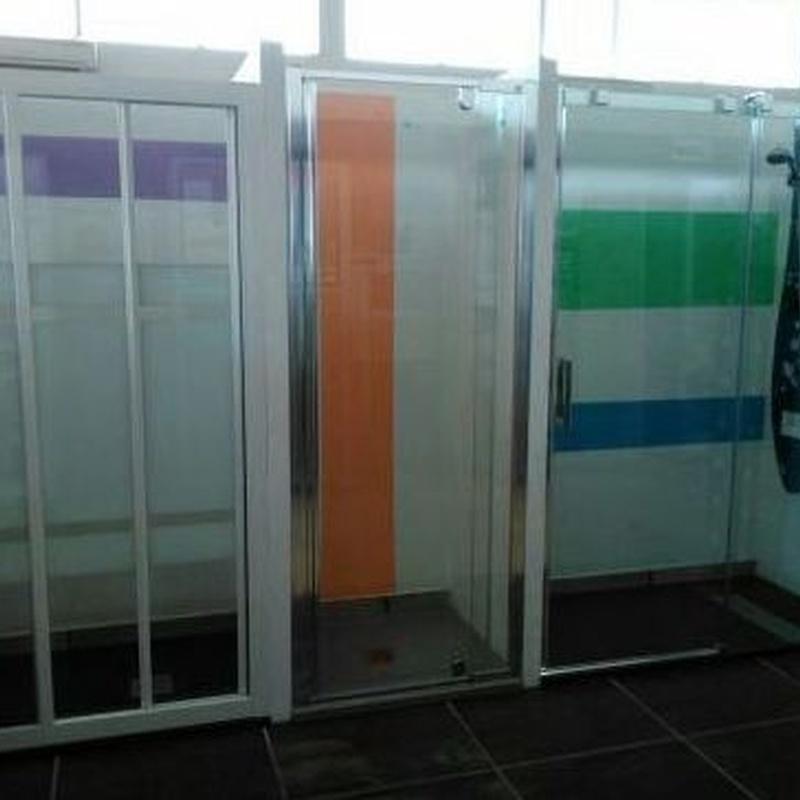 Sanitarios, muebles de baño y mamparas: Productos y servicios de Gres y Azulejos Galapagar