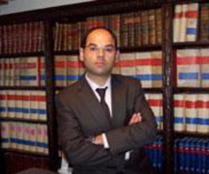 Paz Esquete abogado