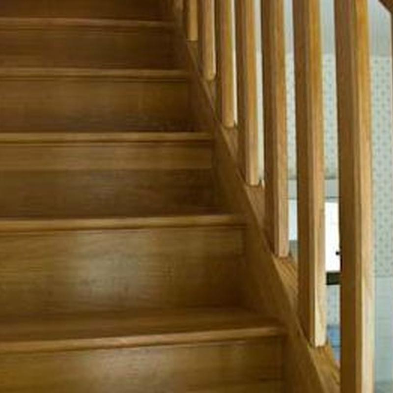 Escaleras y barandillas: Servicios de Carpintería José Luis González