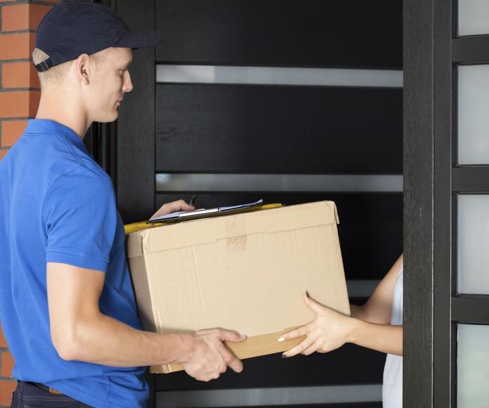 Entrega de paquetes y documentos: Servicios de Transporte y Paquetería Sánchez