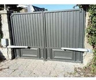Puertas cierres: Estilos de puertas de MAFA, S.L.