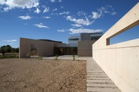 Edificio sede de la Comunidad de Regantes de Miralbueno.  Zaragoza.
