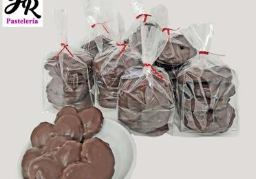 Heart-shaped puff pastry (Palmera)