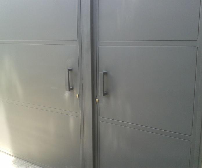 Puertas de hierro: Trabajos de CYSOL Servicios Integrales