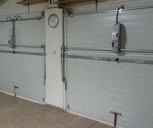 Instalación de automatismos para puertas basculantes