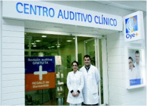 Audífonos digitales en Santander | Centro Auditivo Clínico Oye +