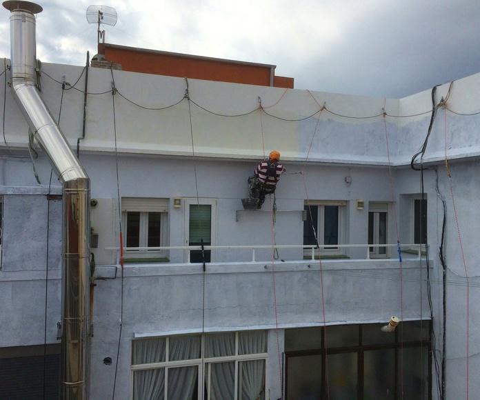 Rehabilitación y mantenimiento de fachadas con trabajos verticales Santander.