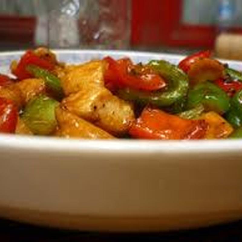 Pollo con verduras: Carta de El Jardín de Oriente