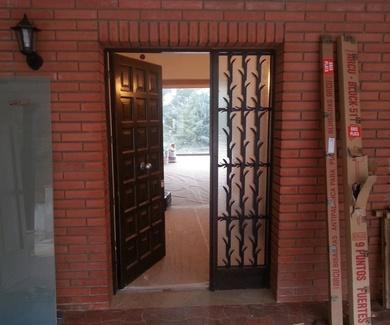 ¿Puedo reconstruir sin obras mi puerta de entrada?