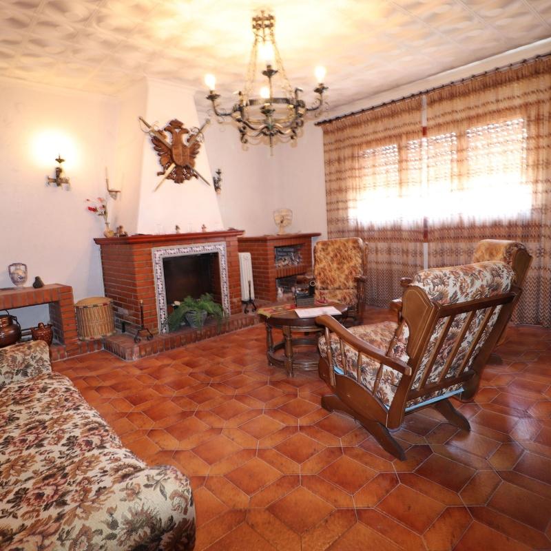 Casa de Pueblo en Cobisa, Toledo: Inmuebles de Inmobiliaria La Montañesa