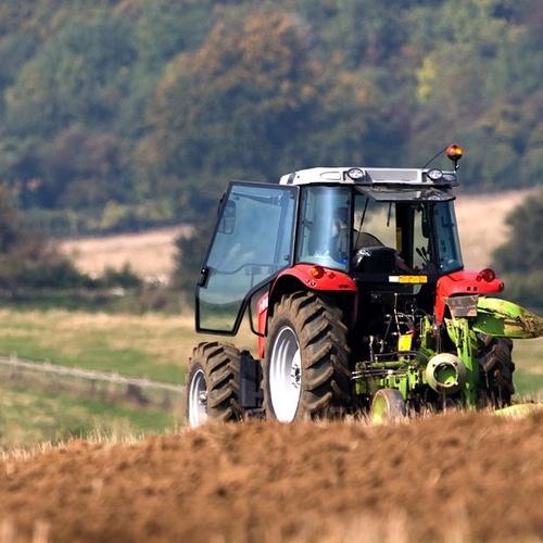 Reparación y venta de vehículos agrícolas