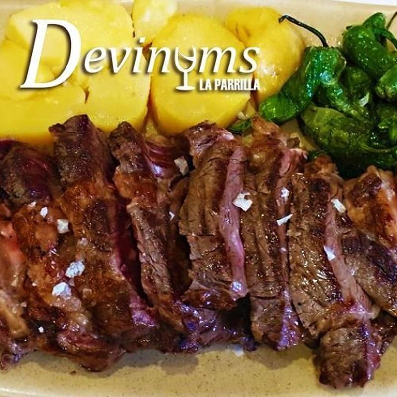Carnes y pescados a la parrilla:  de Restaurante Taberna Vinare