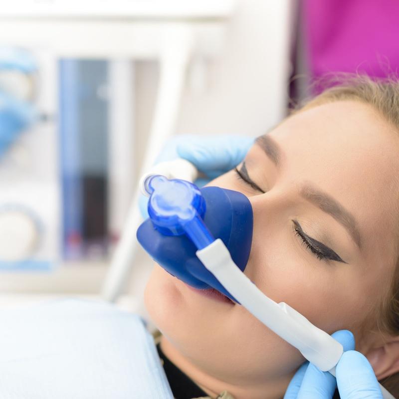 Sedación consciente: Nuestras especialidades de Clínica dental Dr. Vásquez