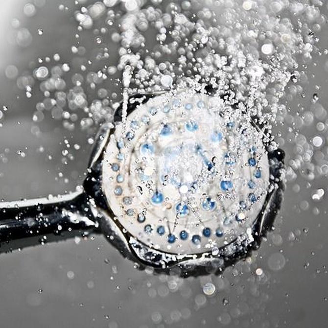 Mampara de ducha para personas con movilidad reducida: qué tener en cuenta
