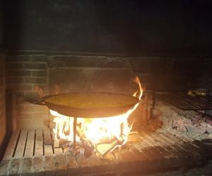 Paellas en horno de leña