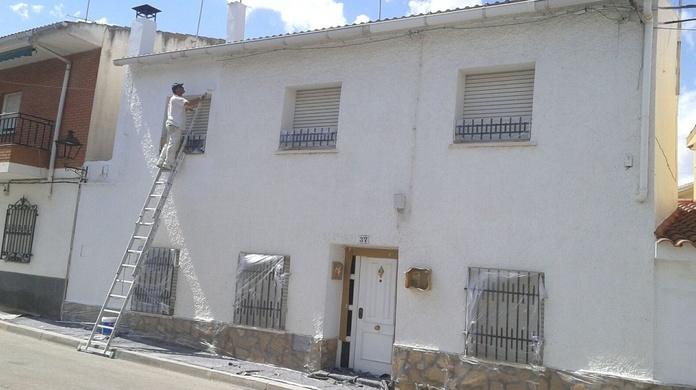 Pintura y reformas de fachadas en Paracuellos del Jarama / Madrid