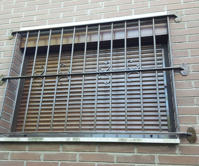 Rejas: Trabajos realizados  de Carpintería Metálica, Cerrajería y Forja Pérez