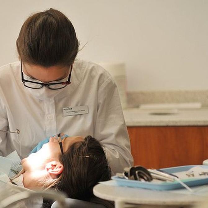 Los implantes dentales: una opción cómoda y estética