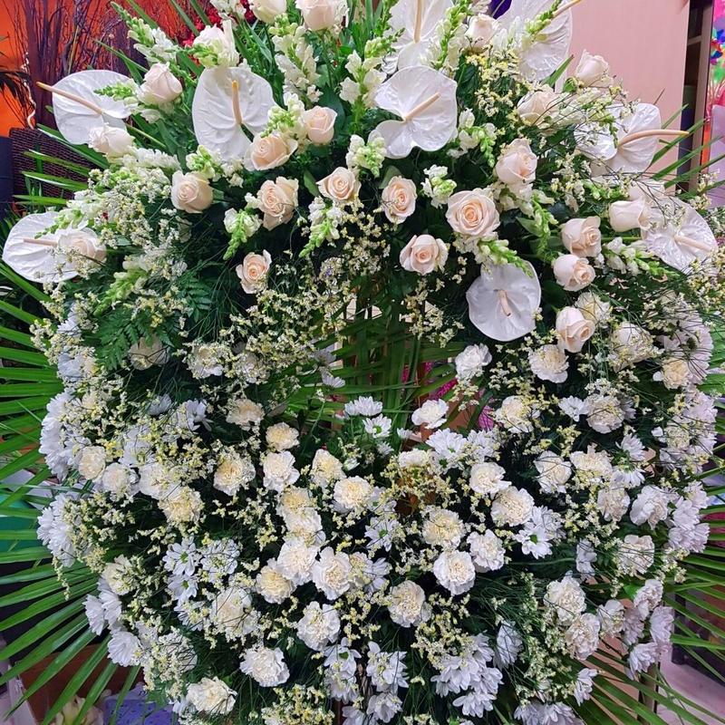Coronas: Servicios  de Ixora Floristas