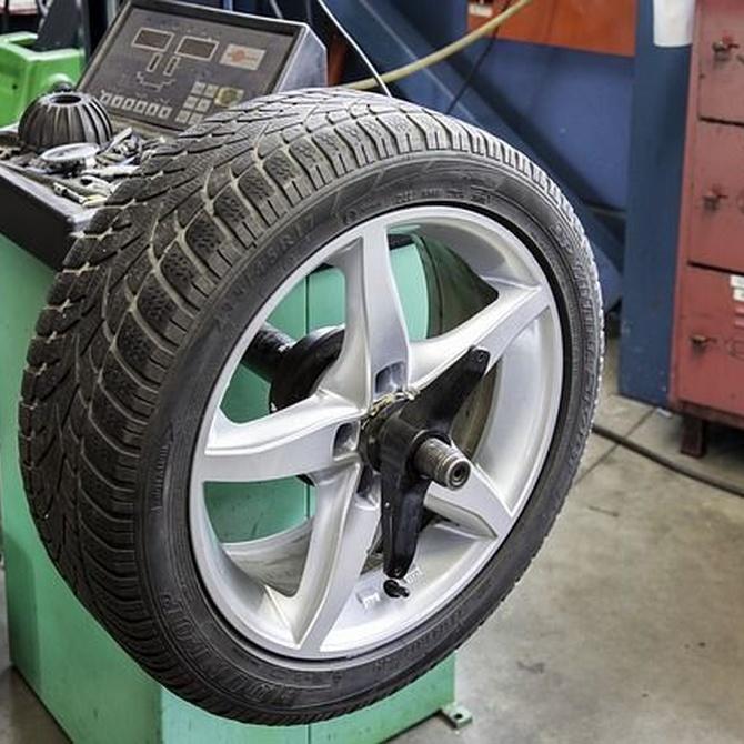 ¿Por qué los neumáticos son el elemento más importante del triángulo de seguridad activa de un coche?