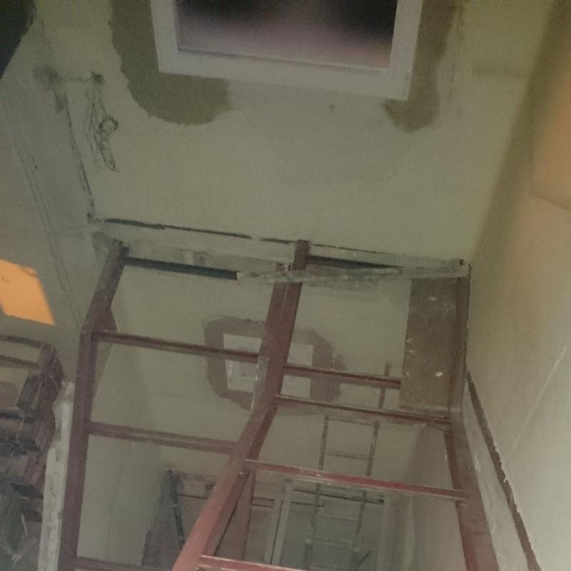 Estructura metálica de tramos de escalera.