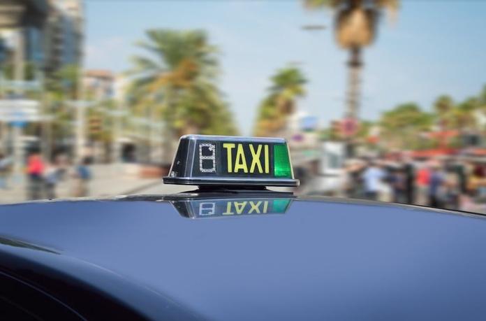 Servicio a aeropuerto y puerto: Servicios de Taxis Granollers
