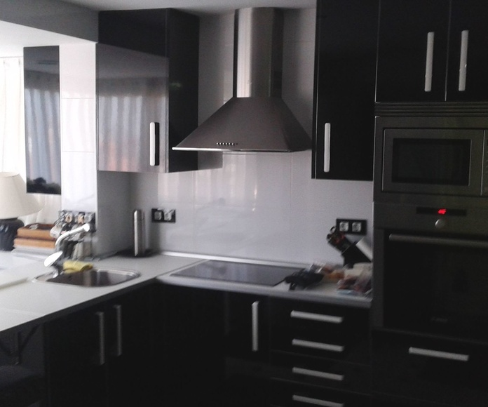 Mobiliario laminado brillo