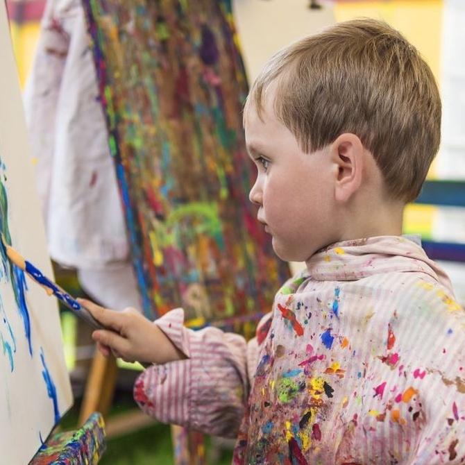 La importancia de las manualidades en el desarrollo infantil
