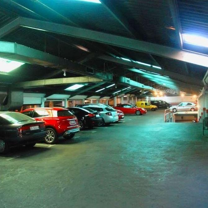 Cuida la pintura de tu vehículo en nuestro garaje