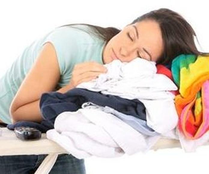 Relajate y descansa, lavanderia  R U B I  lo hará por tí.  LLAMANOS