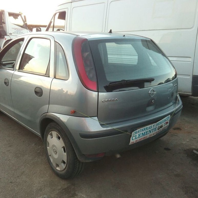 Opel corsa C año 2003 para desguace e  Chatarras Clemente de Albacete