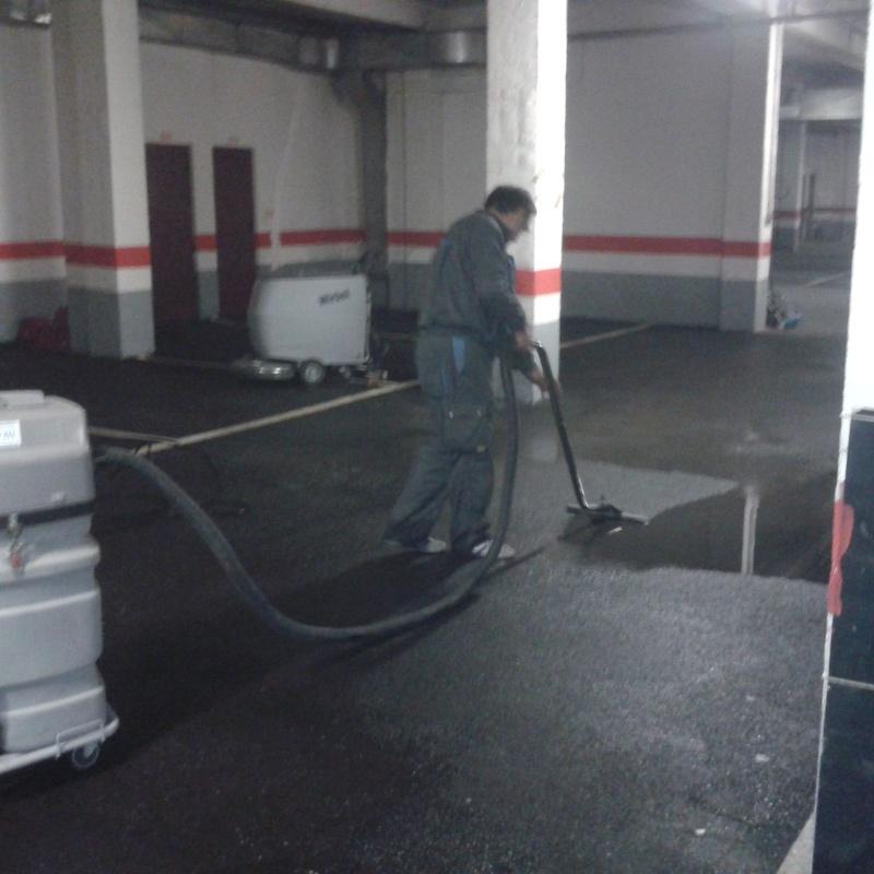 Limpieza de comunidades y garajes: Servicios de Limpiezas Elym