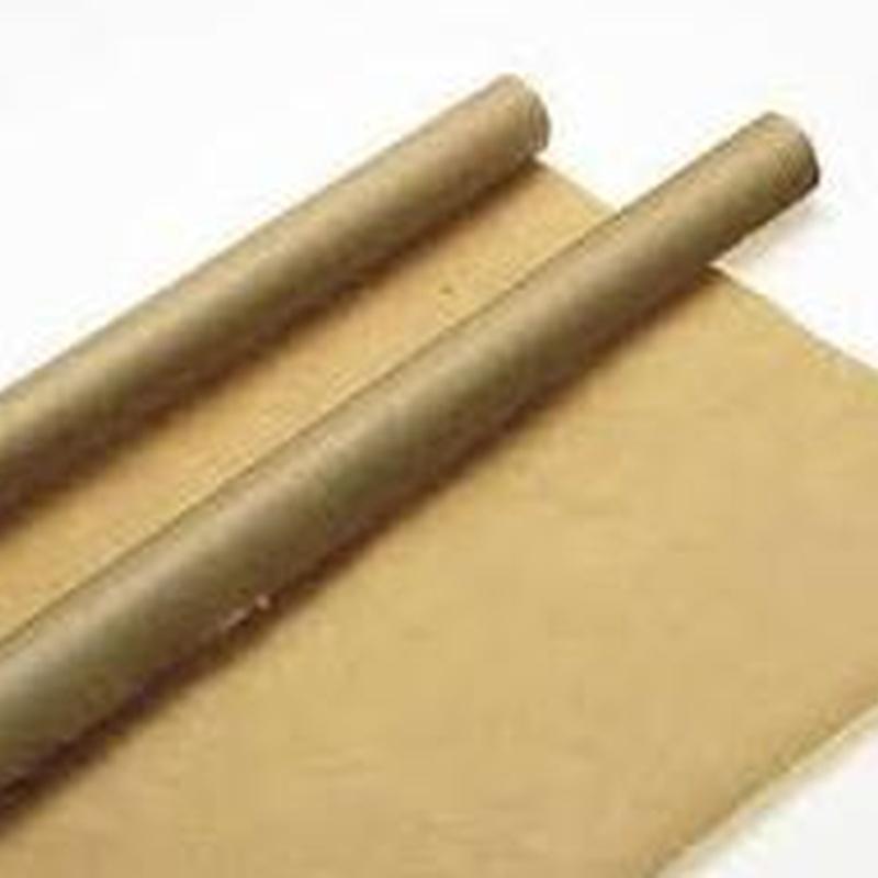 Papel de embalar marrón