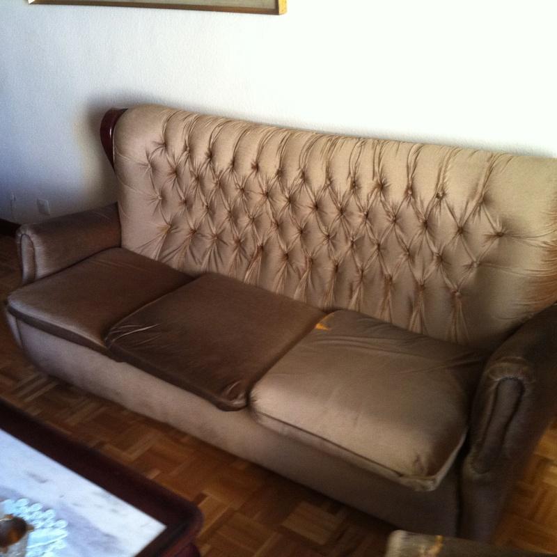 sofa antes de restaurar