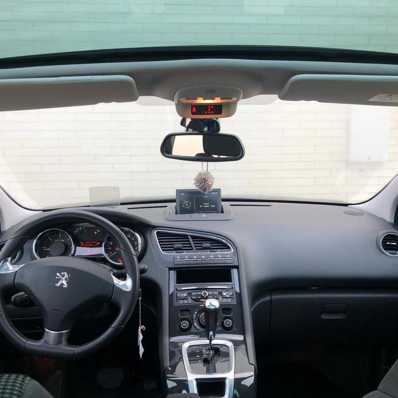 Peugeot 5008 Allure 1.6 Bluehdi 120 Eat6 7 Plazas:  de ASTER Autos