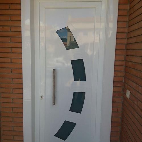 Somos expertos en ventanas y puertas