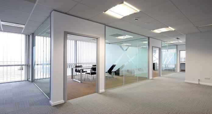 Divisiones de oficinas Zaragoza: Carpintería Aluminio Zaragoza de Aluminios Hecmer