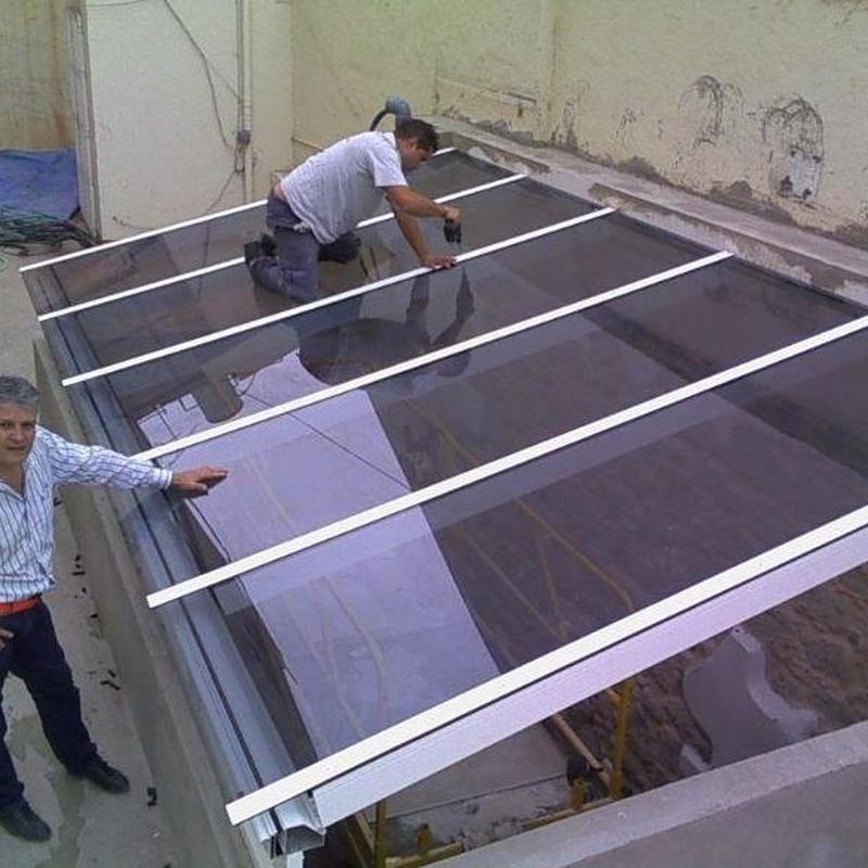 Carpintería de aluminio y cristal: Servicios de Aluminios Benilan