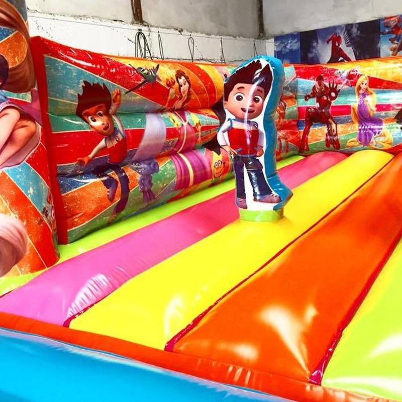 Castillo hinchable plataforma 5: Catálogo de Hinchables Happy Jump