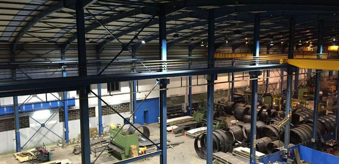 Instalación de iluminación industrial led en Asturias
