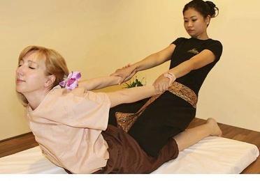 Masaje de espalda, hombro y cabeza
