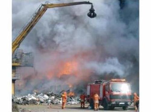 Peritaciones de incendios, 2006 Sollana reciclado automóviles