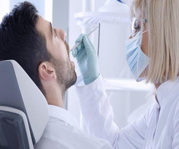 implantes dentales en vicalvaro