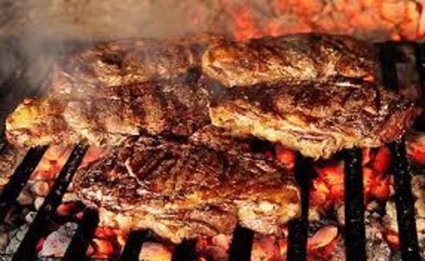 carnes a la brasa: Hotel y Restaurante de Hotel Restaurante Rural El Roble