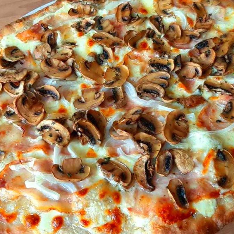 Pizza francesca: Nuestras Pizzas de Pizzería Las Tres B