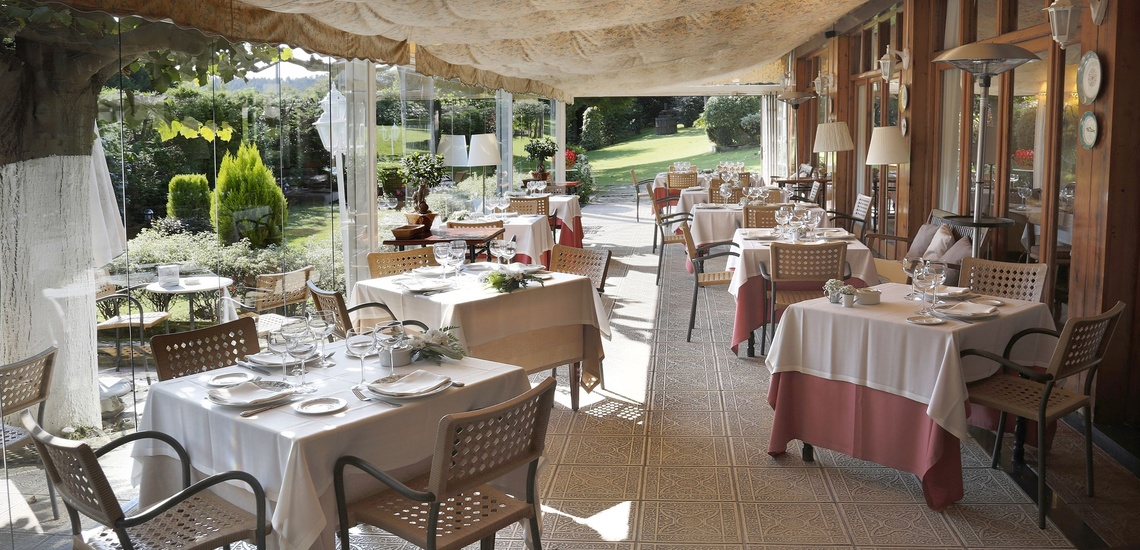Un lugar donde comer con encanto en Derio es el Restaurante Artebakarra